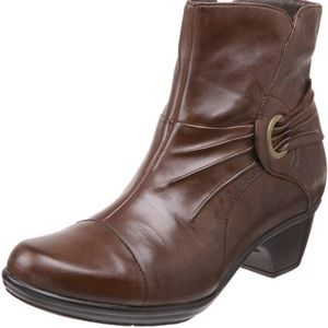 Clarks leather ankle boot bootie Rosabelle comfort